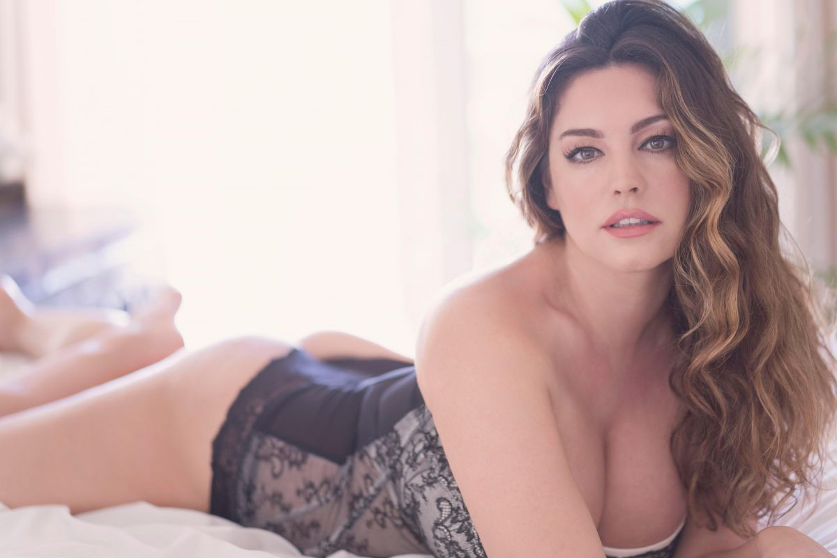 Kelly Brook Phone number, Contact Details, Whatsapp Number, Mobile Number, Email Id